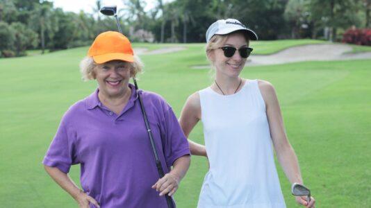 マレーシアでゴルフを楽しむ