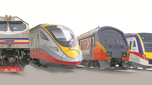 マレー半島内でバスや鉄道などを利用する